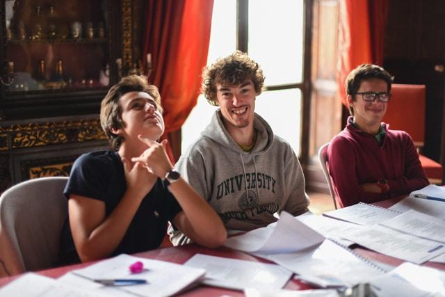 Châteaux des Langues - stage adolescents cours apprendre l'anglais prépa bac